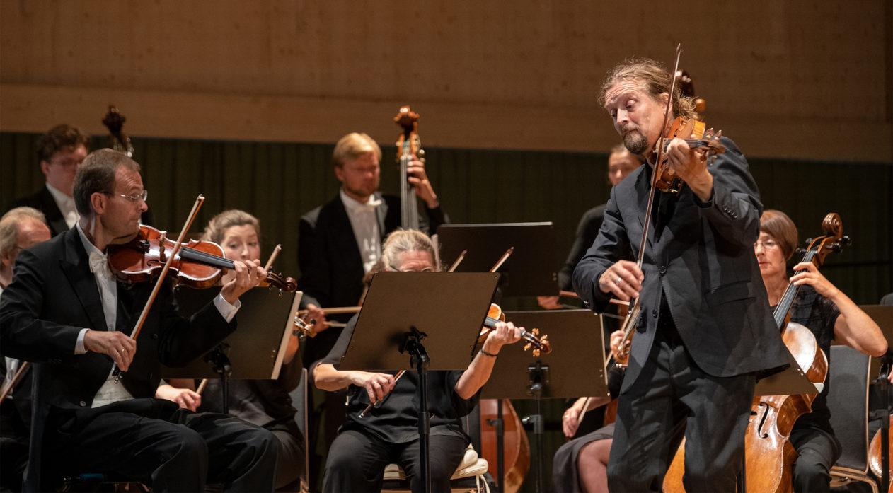 Christian Tetzlaff & Deutsche Kammerphilharmonie Bremen_Bild Marcel Giger