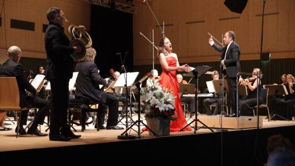 Christiane Karg, Sopran, und das Kammerorchester Basel unter der Leitung von Riccardo Minasi © Marcel Giger