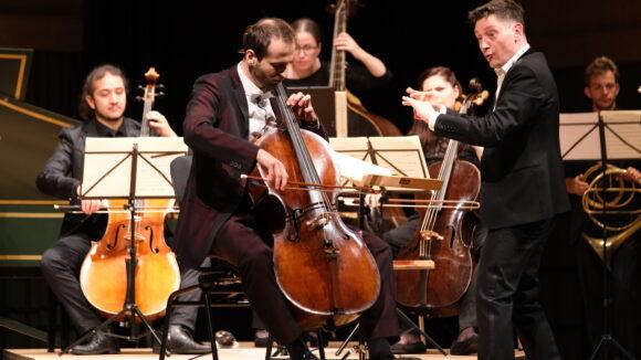 Christoph Croisé, Violoncello, und das Orchester «Il pomo d'oro» unter der Leitung von Maurice Steger © Marcel Giger