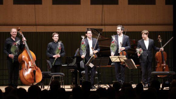 Boris Giltburg, Klavier mit Graham Mitchell, Kontrabass und dem Quatuor Modigliani © Marcel Giger