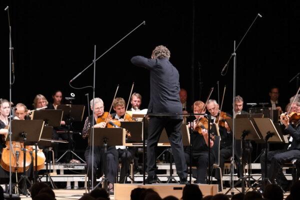 Die Deutsche Kammerphilharmonie Bremen unter der Leitung von Pablo Heras-Casado © Marcel Giger