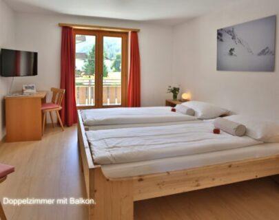 doppelzimmer-mit-balkon-1-og-580x387