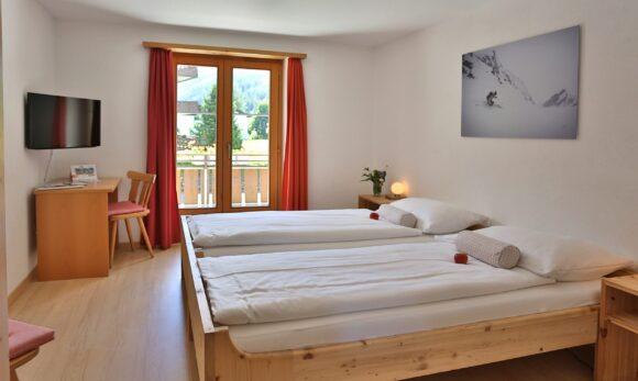 Doppelzimmer mit Balkon 1 og