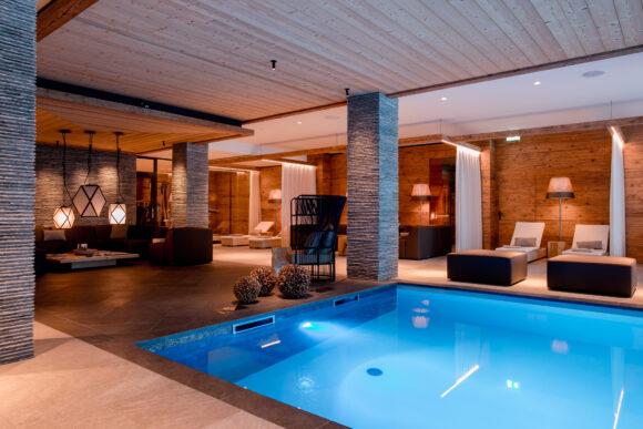 Hotel Piz Buin Klosters Prättigau Graubünden Schweiz Wellness SPA Schwimmbad (10)